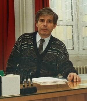 """Ředitelem tohoto gymnázia byl v letech 1990 - 2000 a provedl školu složitým  obdobím přechodu od """"sametové revoluce"""" do 21. století. Jeho žáci si jistě  ... c1213a460a"""
